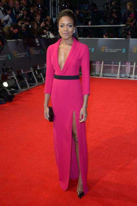 Naomie Harris impecable de Gucci en los BAFTA 2014