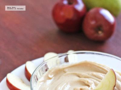 Dip de yogur, crema de cacahuate y miel. Receta
