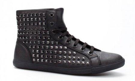 Zapatillas de tachuelas de Zara