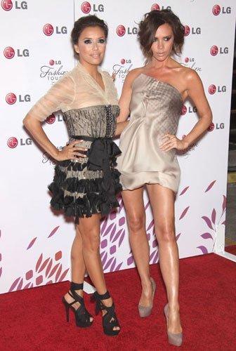 Victoria Beckham y Eva Longoria con looks espectaculares como imagen de un teléfono móvil