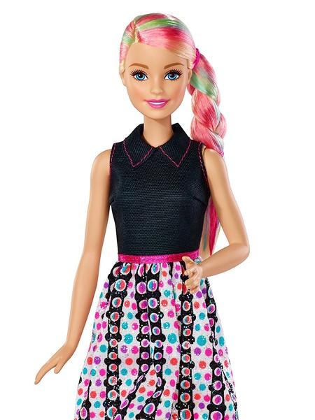 Puedes comprar en Amazon la muñeca Barbie colores infinitos por sólo 10 euros