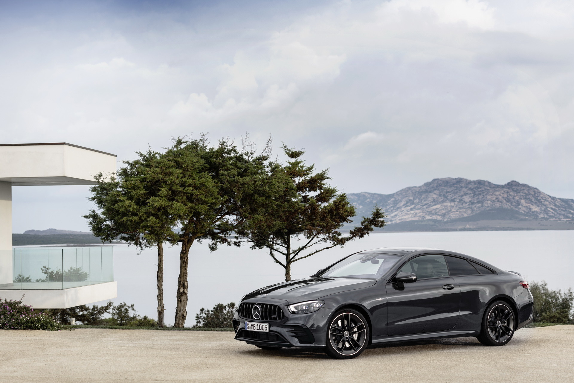 Foto de Mercedes-AMG E 53 Coupé 2021 (8/35)