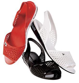 Más sandalias de PVC
