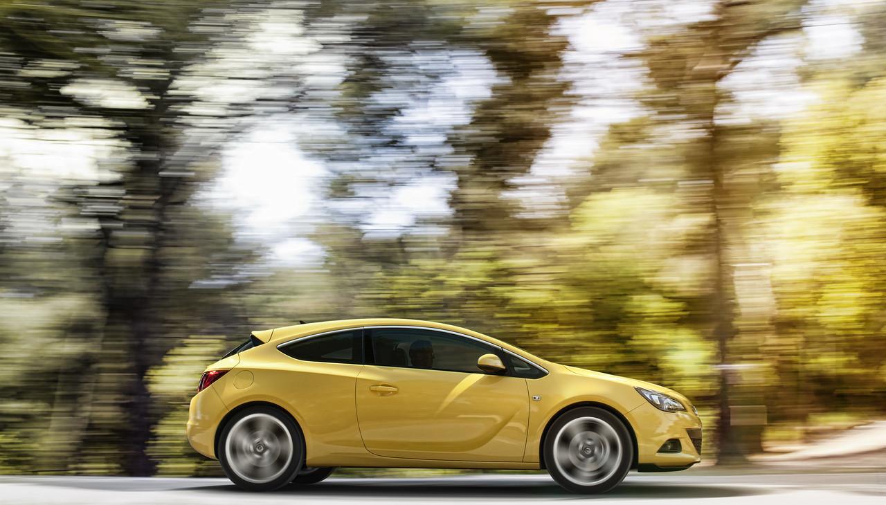 Foto de Opel Astra GTC (21/90)