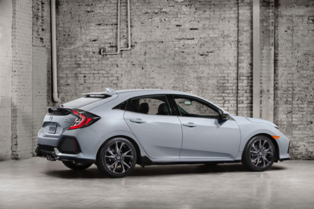 Honda Civic Hatchback 2017 3