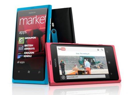 Nokia Lumia 800 en grupo
