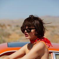 & Other Stories nos invita a descubrir su colección de verano en un road trip (y lo mola todo)