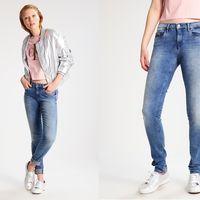 Pantalones Calvin Klein Jeans Mid rise Skinny deep sky rebajados un 40% en Zalando, ahora por sólo 65,95 euros y envío gratis
