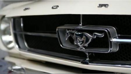 El Ford T5 de Käthe Lowe y Capi no es un Mustang, pero no nos importa