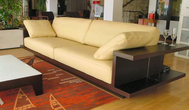 Foto de Sofa con espacio de almacenaje alrededor (3/5)