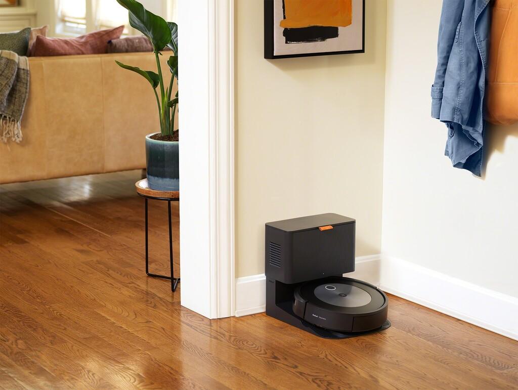 Nuevo Roomba j7+: más inteligente y servicial que nunca y con la promesa de reconocer y esquivar