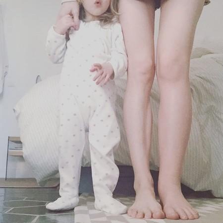 Izquierda hinchada el embarazo pierna durante solo
