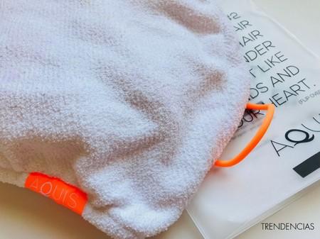 Probamos la toalla de Aquis para el pelo y podemos decirlo seguro: ¡se acabó secarse con secador!
