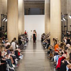 Foto 42 de 43 de la galería victoria-beckham-otono-invierno-2019 en Trendencias