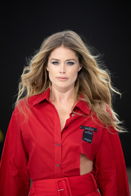 Doutzen Kroes Defile Runway 054 Dmi 4 5 Na No Cta