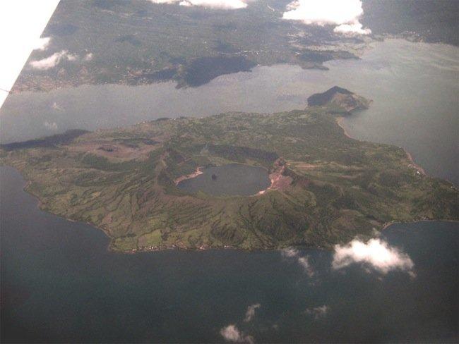 taal_volcano_aerial.jpg