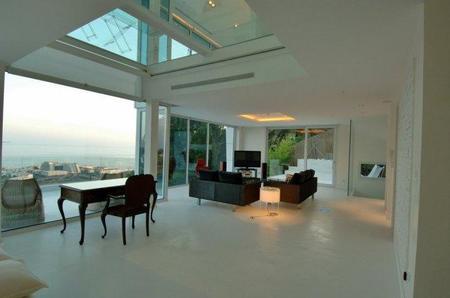 Casa de lujo de diseño vanguardista en Sitges: La Casa Blanca