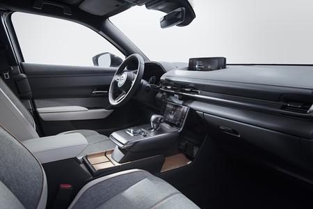 Mazda Mx 30 06 Interior