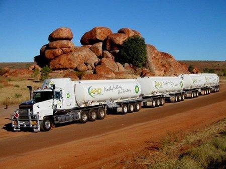 road-train-australia-truck.jpg