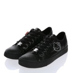 Foto 2 de 2 de la galería sneakers-negras-hello-kitty-de-victoria-couture en Trendencias