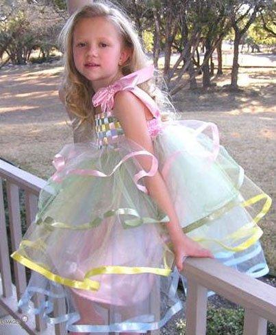 Exclusivo vestido de ceremonia para niñas en tul y cintas de colores