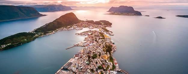 ¿Estás asado como un pollo? Vete a los fiordos nórdicos 8 días de crucero desde 699 euros con Logitravel