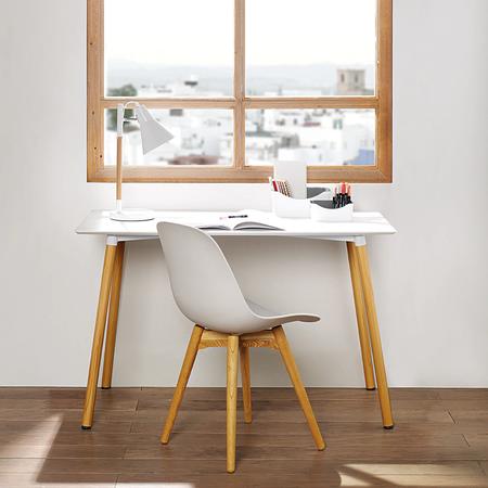 Mesa de escritorio nórdica