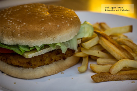 Hamburguesa de filete de pollo empanizado