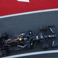 Valtteri Bottas le arrebata la pole a Lewis Hamilton y Nico Hulkenberg sorprende siendo tercero