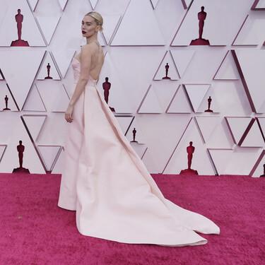 Vanessa Kirby luce un vestido 'cut out' de Gucci en la alfombra roja de los Premios Oscar 2021