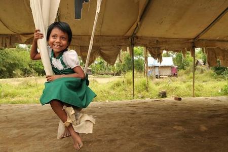 """""""Por ser niña"""": en busca de una mejora directa en la vida de 4 millones de niñas de todo el mundo"""