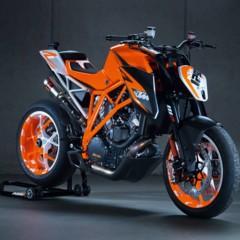 Foto 2 de 6 de la galería salon-de-milan-2012-prototipo-de-la-ktm-1290-super-duke-r-vuelve-la-bestia en Motorpasion Moto