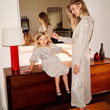 La Navidad es para vestir en familia: tres looks de madre e hija (y uno para papá) con los que crear mini-yos gracias a H&M