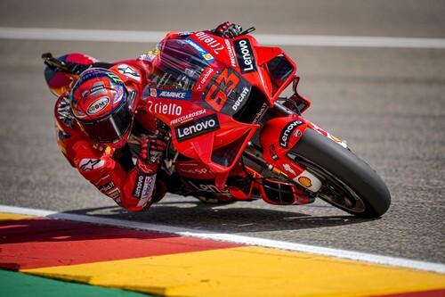 ¡Tiempazo! Pecco Bagnaia lidera el festival de Ducati con una pole position de récord en MotorLand