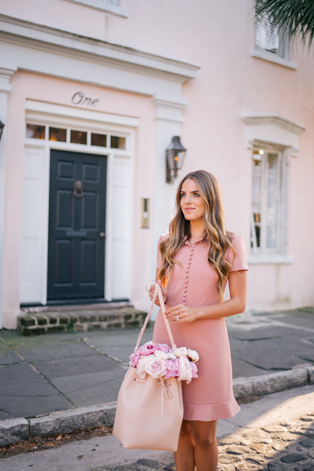 millennial pink rosa looks street style estilismo outfit tendencia