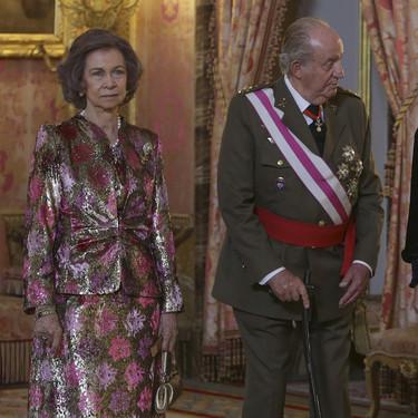 """¿Se ha convertido la Reina Sofía en la más fashion de la Pascua Militar con este """"no Gucci""""?"""