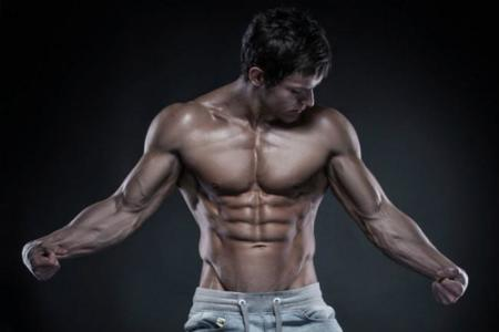 Llegar a la deshidratación para marcar músculo, una moda con muchos riesgos