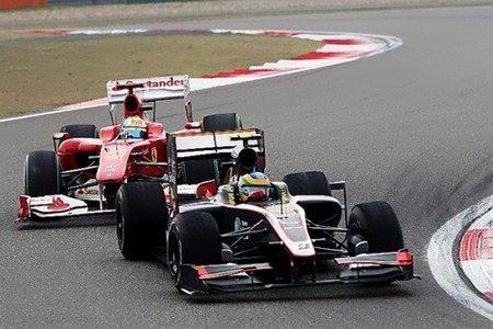 Bruno Senna y Felipe Massa durante el GP de China 2010