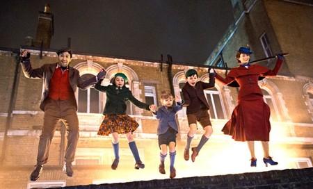 'El regreso de Mary Poppins', nuevas imágenes con Emily Blunt dando vida a la niñera más famosa del cine