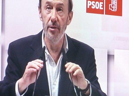 Rubalcaba orgulloso de la 'prudente' carga policial contra los indignados valencianos