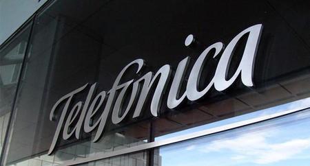 Telefónica logra acuerdo para distribución de recargas telefónicas en el país
