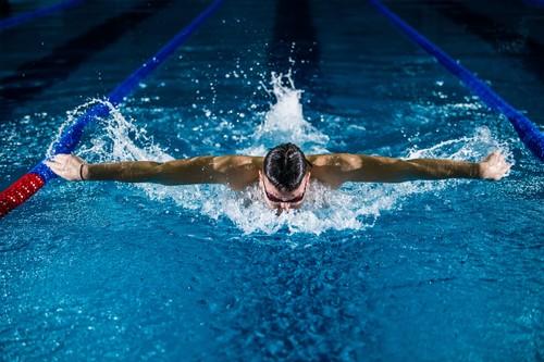 El entrenamiento funcional que tienes que hacer en el gimnasio para ser un mejor nadador