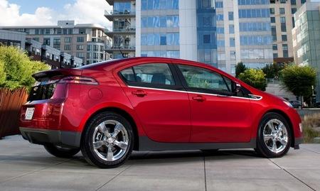 Chevrolet Volt rojo 5