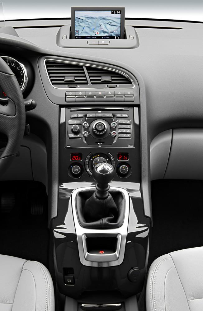Foto de Peugeot 5008 (36/80)