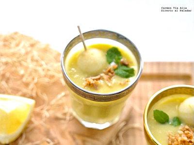 Sopa fría de puerro, manzana y limón. Receta de verano
