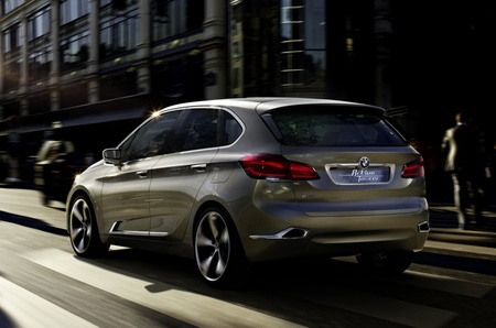 BMW Concept Active Tourer 03