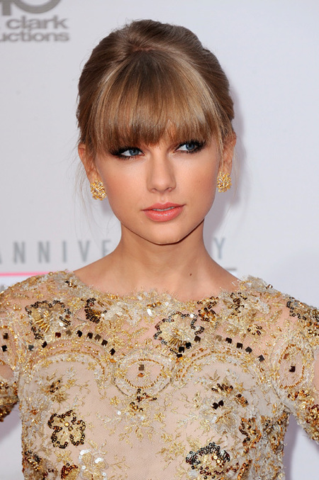 Taylor Swift flequillo postizo