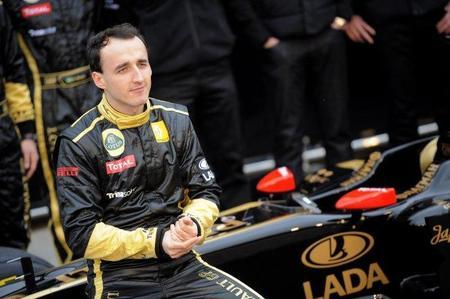 Según Lotus Renault GP, Robert Kubica evoluciona favorablemente. Su novia no opina lo mismo