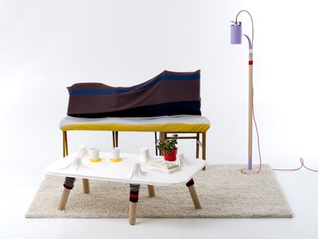 Los gatos no, pero esta mesa sí que tiene cinco pies