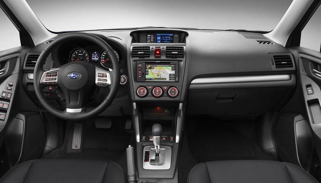 Interior del Subaru Forester 2013